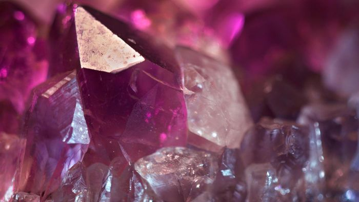 What Are the Birthstone Colors for Each Month?