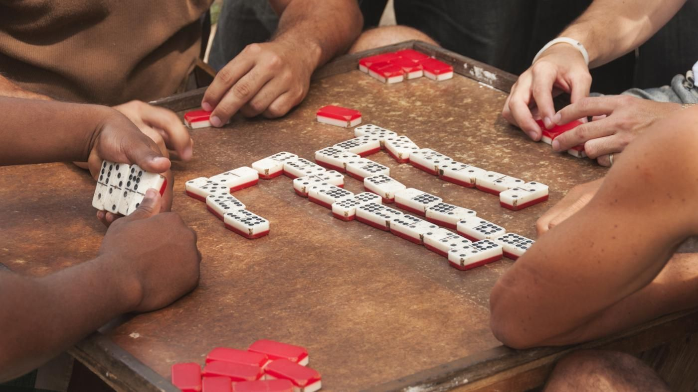 What Are The Rules Of Mexican Train Dominoes Reference