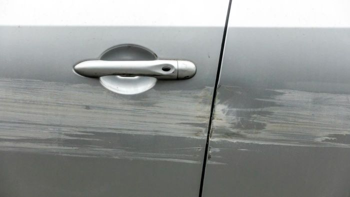 How Do You Remove Scratches From a Car or Boat?
