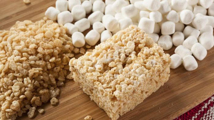 What Is an Easy Microwave Recipe for Rice Krispies Treats?