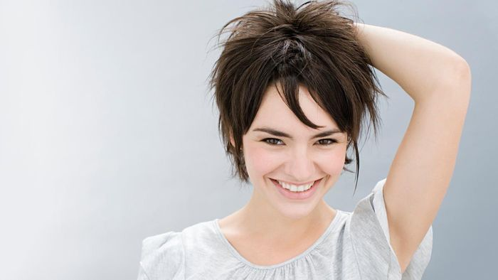 What Are Some Popular Women's Short Shag Hairstyles?
