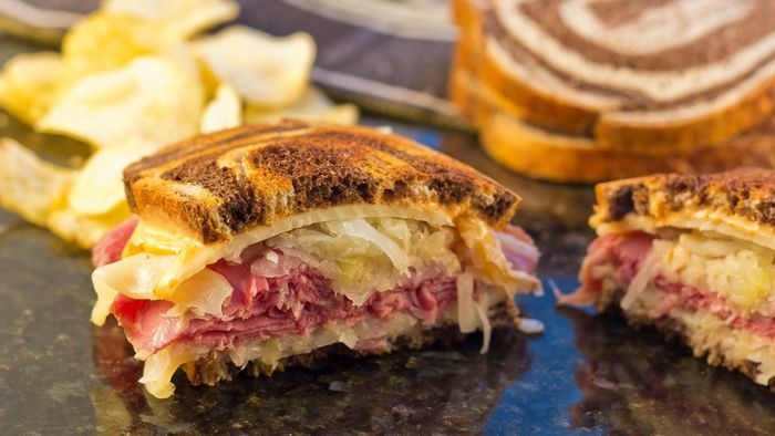 What Are the Ingredients in Reuben Sandwiches?