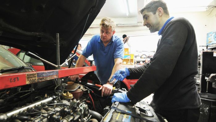 What Online Websites Are Good Places to Shop for Used Transmissions?