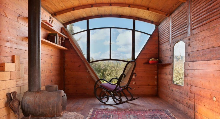 What Are the Different Prefab Log House Styles?