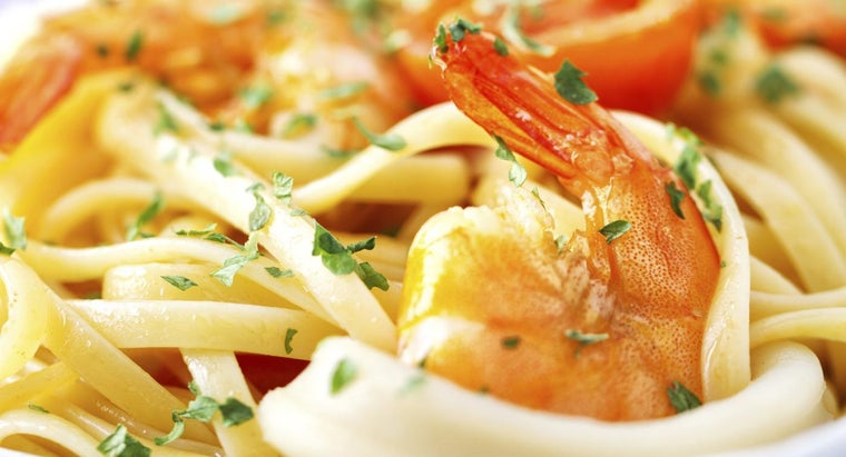 What Are the Ingredients for an Easy Shrimp Fettuccine?