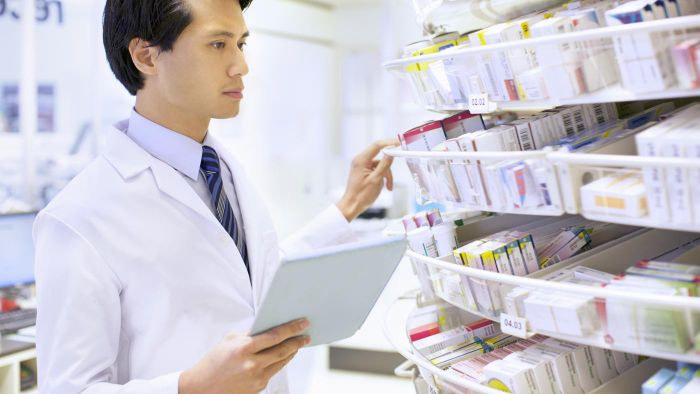 What Are the Duties of Pharmacy Technicians in a Hospital Setting?