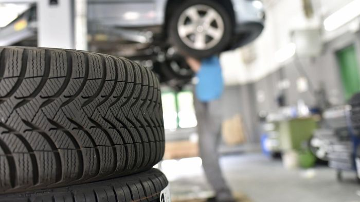 Who Manufactures Pacemark Tires?