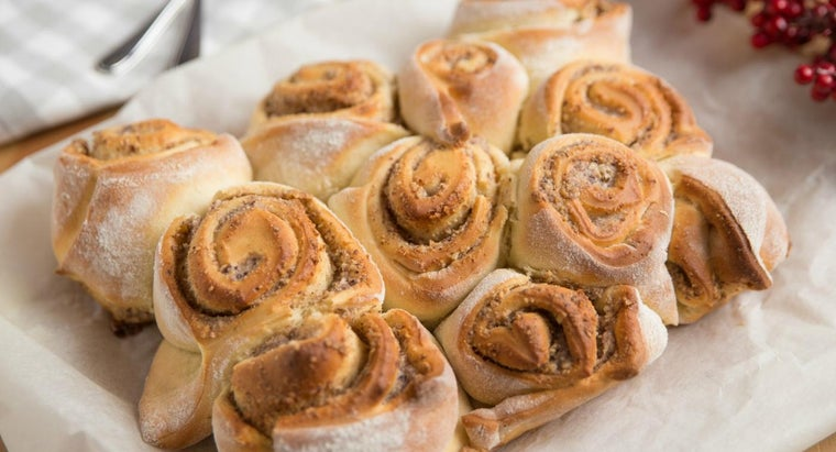 What Is a Good Recipe for Cinnamon Rolls?