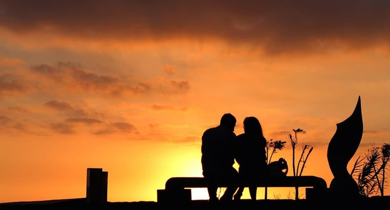 How Do You Write a Sweet Romantic Love Poem?