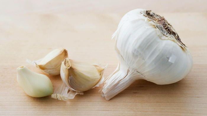 What Is the Best Way to Store Fresh Garlic Cloves?