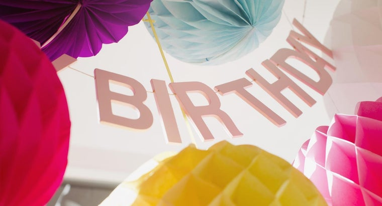 What Are Some Ideas for 60th Birthday Party Centerpieces?