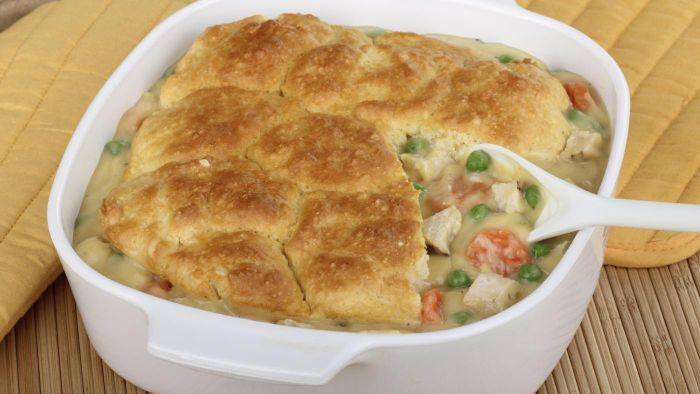 How Do You Make a Chicken and Biscuit Casserole?