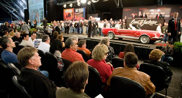 What Are the Dates for Barrett Jackson Car Auctions in 2015?