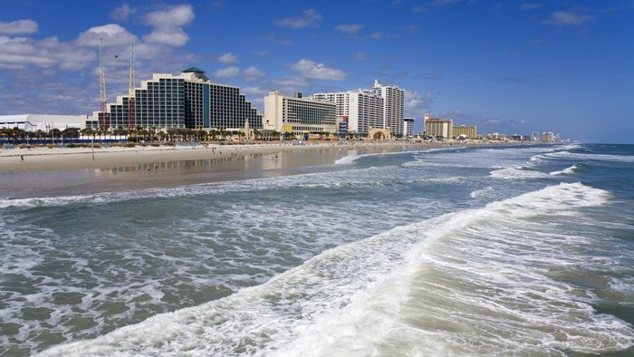 How Can You See a Daytona Beach Live Cam?