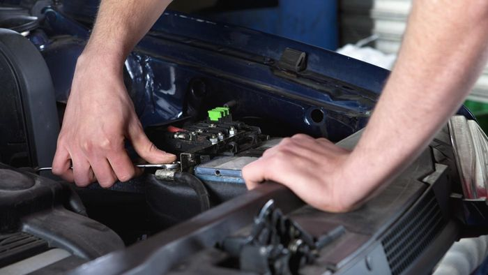 How Do You Compare the Prices of Car Batteries at Sam's Club?
