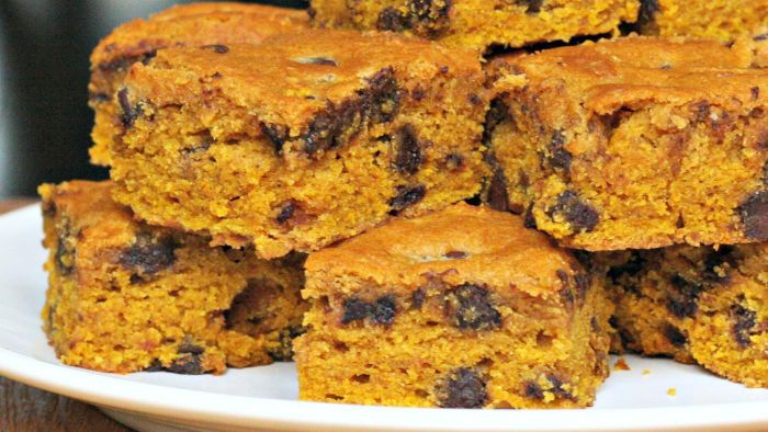 How Do You Make Pumpkin Bars With Cake Mix?