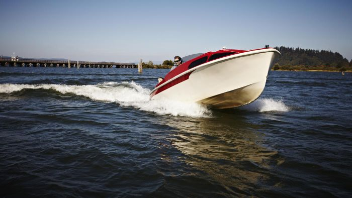 Where Can You Purchase Repossessed Boats?