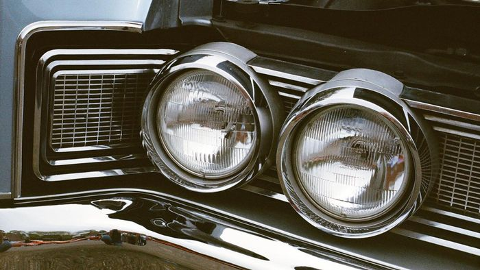 How Can You Determine the Size of Headlight Needed for Your Car?