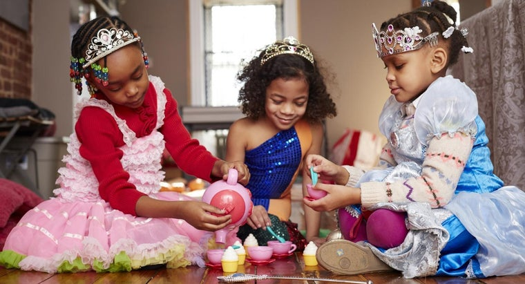 What Are Some Fun Dress up Games for Girls?