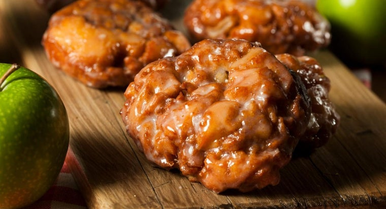 What Is a Simple Apple Fritter Recipe?