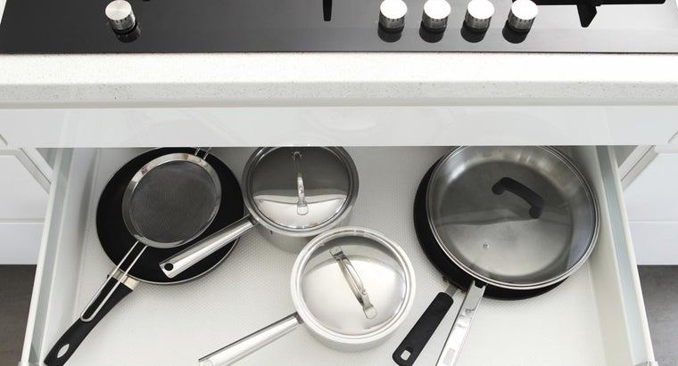What Type of Cookware Is Ideal for the Typical Home Cook?