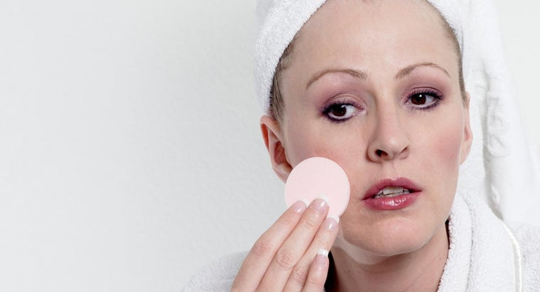What Are the Causes of Puffiness Under the Eyes?