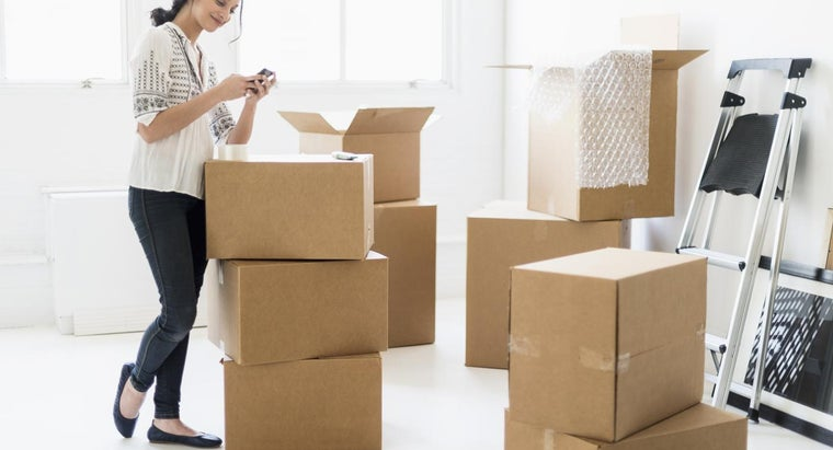 What Should You Consider When Choosing a Moving Company?