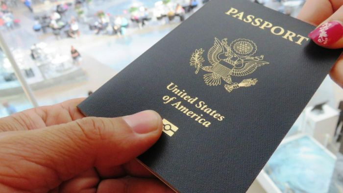 What are the steps to filling out a printed passport application?