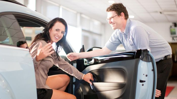 What are the duties of a car salesman?