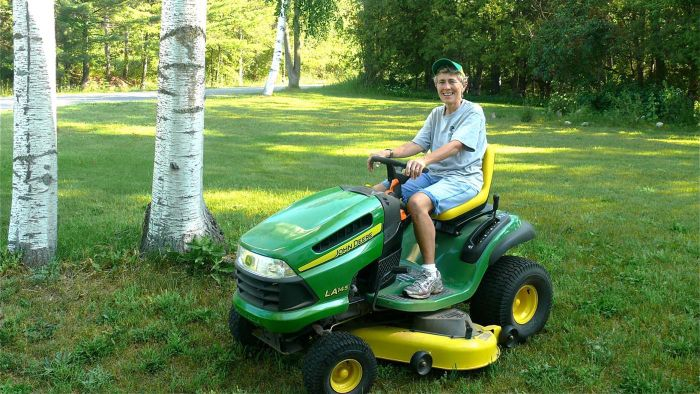 Where Can You Buy Parts for Riding Lawn Mowers?