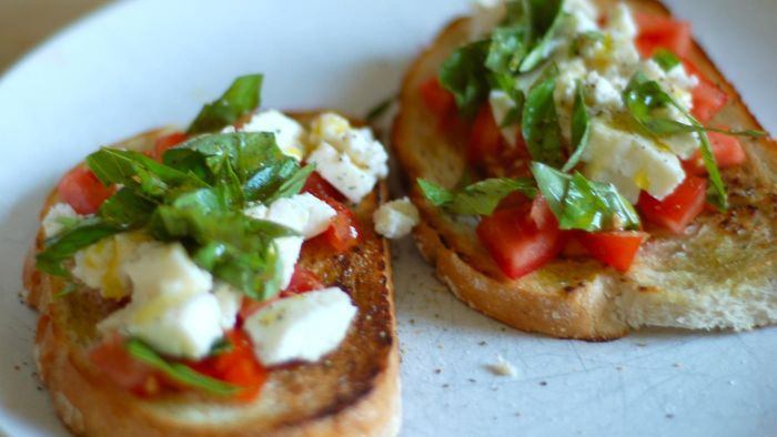 What Is a Recipe for Homemade Bruschetta?