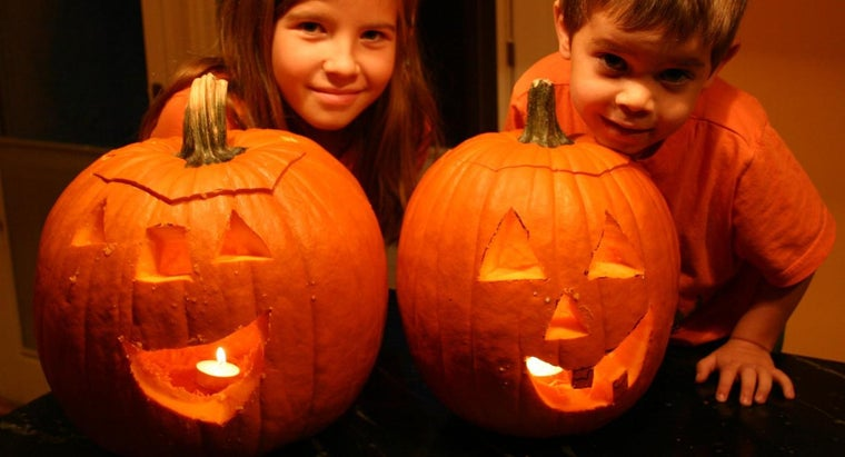 What Are Some Cute Pumpkin Carving Patterns?