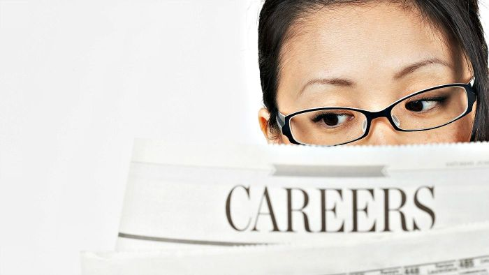 What Are Some Ways to Conduct a Job Search?