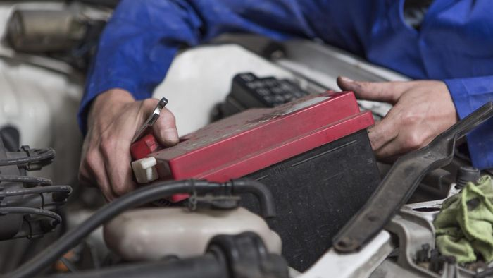 How Do You Safely Remove a Car Battery?