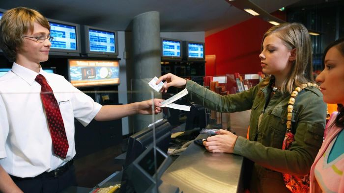 What Are the Prices for Regal Cinema Movie Tickets in 2015?