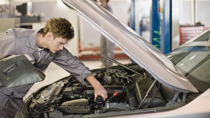 What Is the Labor Hour Figure for a Car Alternator Repair?