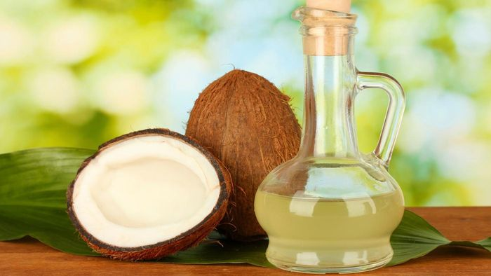 What Are Some Benefits of Adding Coconut Oil to Your Diet?
