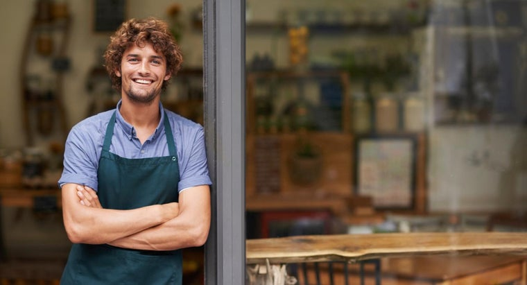 What Are Some Duties of a Restaurant Manager?
