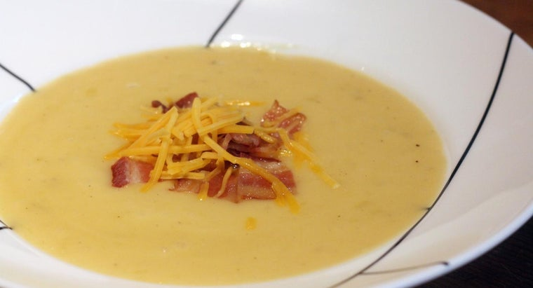 What Is a Simple Recipe to Make Cream of Potato and Bacon Soup?