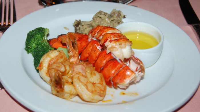 What Are Some Easy Recipes for Lobster Tail?
