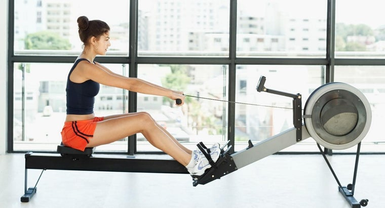 What Are the Benefits of Exercising on a Rowing Machine?