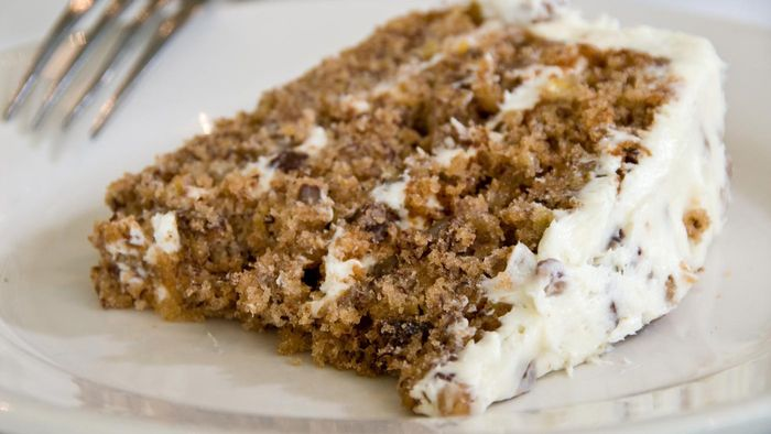 What Is an Easy Hummingbird Cake Recipe?