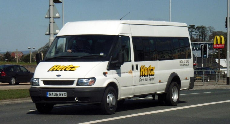 What Are the Requirements to Rent a Hertz-Penske Truck?