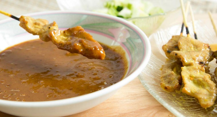 How Do You Make Thai Peanut Sauce?