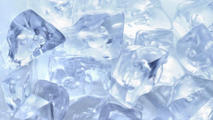 How Do You Unclog the Ice Cube Maker in a Freezer?