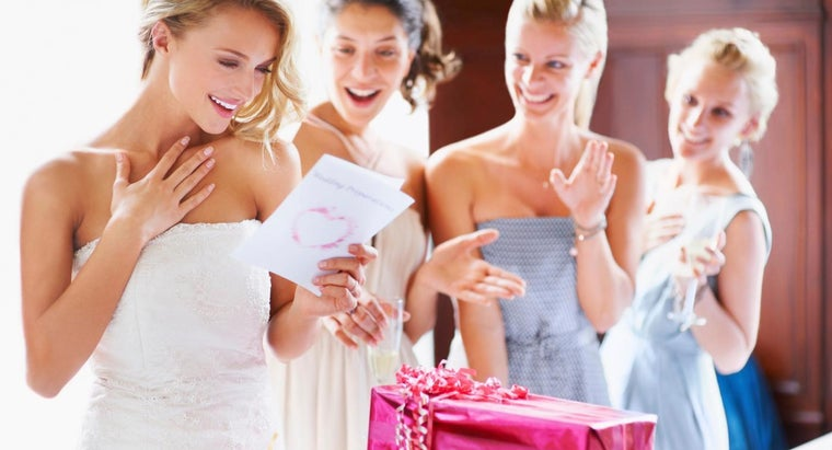 What Short Message Should You Write in a Wedding Card?