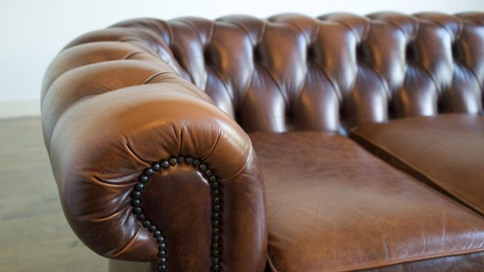 What Are Some Effective Leather Couch Cleaners?