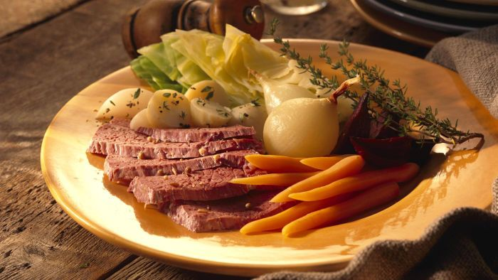 How Do You Cook Corned Beef and Cabbage in a Slow Cooker?