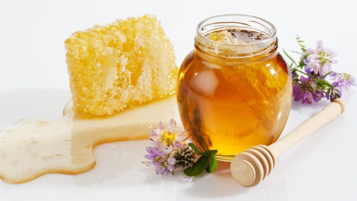 What Are Some Medicinal Uses of Honey?