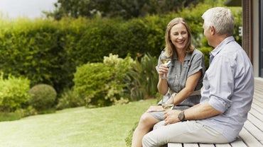 What Are Some Good Dating Sites for Older Women?
